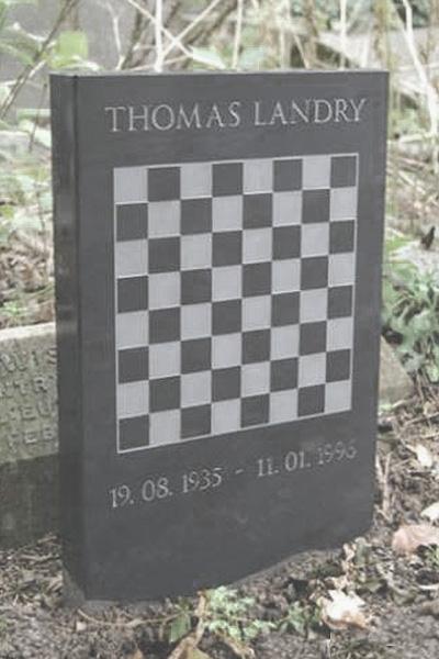 Chess gravestone